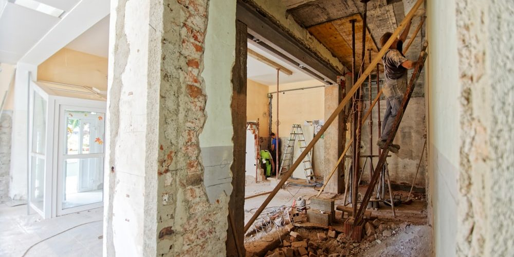 4 Reasons Why You Need to Hire a Junk Removal Service for Your Next Home Renovation Project